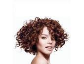 Kaip prižiūrėti garbanotus ir banguotus plaukus?